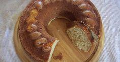 Εξαιρετική συνταγή για Κέικ μήλο, κανέλα, γιαούρτι. Ένα εξαιρετικά μυρωδάτο κέικ, νόστιμο και ανάλαφρο. Λίγα μυστικά ακόμα Η συνταγή είναι πλήρως ανανεωμένη. Είχε διαφορετικές αναλογίες υλικών που όμως ήταν προφανώς λάθος. Ψάχνοντας και δοκιμάζοντας, κατέληξα σε αυτές τις αναλογίες που έχουν ένα πολύ νόστιμο αποτέλεσμα (ακόμα και για αυτούς που δεν τρων γλυκό χωρίς σοκολάτα χαχα)Με μικρές αλλαγές μπορεί να ψηθεί για muffins. Μην προσθέσετε το γάλα και την έξτρα ζάχαρη-κανέλα και βάλτε το…