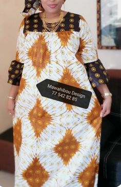 Latest African Fashion Dresses, African Dresses For Women, African Print Fashion, African Attire, Chitenge Dresses, Casual Gowns, Star Fashion, Fashion Outfits, Livingstone