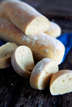 Ciabatta Ciabatta, Hot Dogs, Hamburger, Bread, Baking, Food, Bakken, Eten, Hamburgers