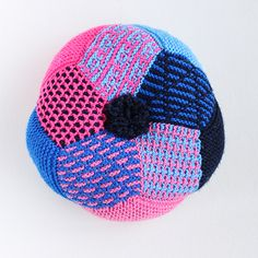 引き上げ模様クッション- 編み物キットオンラインショップ・イトコバコ
