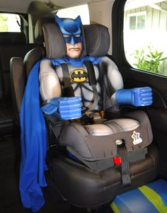 Protect your toddler the next time you venture out into traffic by placing them on the Batman booster seat. With the Batman seat, you'll get some peace. Toddler Car Seat, Baby Car Seats, Car Seat Weight, Batman Bedroom, Batman Nursery, Batman Baby Room, Batman Car, Batman Stuff, Batman Spiderman