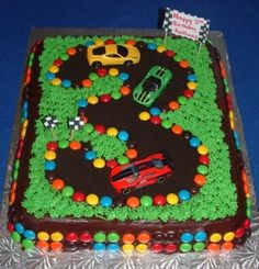 Race Track Cake Pictures And How To Make Instructions Third Birthday, Boy Birthday, Birthday Parties, Birthday Ideas, Birthday Pictures, Race Track Cake, Festa Hot Wheels, Cute Birthday Cakes, Cake Pictures