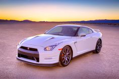 2014 Nissan GT-R Specs and Prices