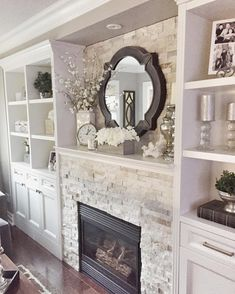 21 Family Room To Rock This Year - Interior Design Fans 21 Family Room To Rock . 21 Family Room To Rock This Year – Interior Design Fans 21 Family Room To Rock This Year Home Fireplace, Fireplace Remodel, Living Room With Fireplace, Fireplace Design, Fireplace Ideas, Mantel Ideas, Fireplace Stone, Fireplace Bookshelves, Fireplace Mirror