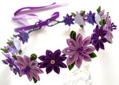 Guirnalda de la flor púrpura tela Kanzashi. Accesorio de por JuLVa