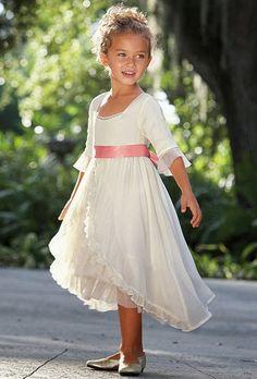 http://4.bp.blogspot.com/-PvW4xCW8G1k/U-UpNOUuERI/AAAAAAAAE4g/y8Bho4ee3M4/s1600/wedding+flower+girl+dresses+20.jpg