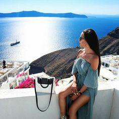 Vacation time #repost #fashionblogger @evelina_fra #tote #bag #janisleenewyork #madeinnyc #designer #handbag #handmade #madeinny #fashion #style #streetstyle #blogger #design