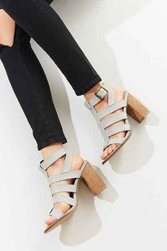 6a8314c6614e My Favorite Summer Outfit Pieces! Grey Sandals