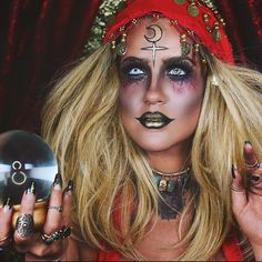 Are you looking for ideas for your Halloween make-up? Browse around this site for creepy Halloween makeup looks. Creepy Halloween Makeup, Creepy Halloween Costumes, Halloween Inspo, Halloween Looks, Halloween Outfits, Pirate Halloween, Halloween 2016, Halloween Season, Fortune Teller Makeup