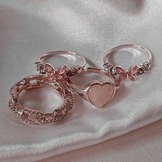 Grunge Jewelry, Funky Jewelry, Stylish Jewelry, Cute Jewelry, Jewelry Accessories, Fashion Jewelry, Cute Rings, Pretty Rings, Nail Jewelry