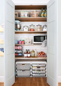 My newly refreshed and reorganized pantry! — Sunny Circle Studio My Newly Refreshed and Reorganized Kitchen Pantry, Kitchen Refresh, Interior Decorating, Kitchen, Home, Kitchen Organization, Kitchen Design, Newly Remodeled Kitchens, Home Decor