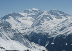 Verbier offers many activities and attractions in summer and in winter - some are even world-famous. Weekend Deals, Winter Magic, French Alps, World Famous, Travel Guide, Mount Everest, Skiing, To Go, Mountains