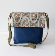 Bolso bandolera bag tasche hecho a mano tela loneta canvas algodon cotton estampados calidad elegante color accesorios complementos Lolahn Handmade - Azul flores 1