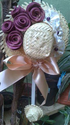enfeite de porta, chapéu decorado, rosas em e.v.a, fuxico, festas juninas e julinas