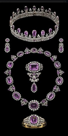 Bling fling: Royal crowns and tiaras Royal Crowns, Royal Tiaras, Tiaras And Crowns, Royal Jewelry, Jewelry Sets, Fine Jewelry, Antique Jewelry, Vintage Jewelry, Pink Topaz