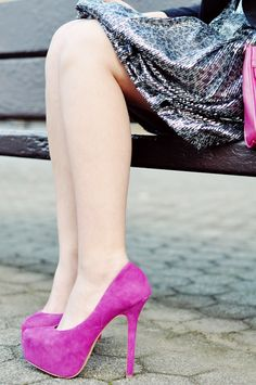 Love the dress and shoe colour combo