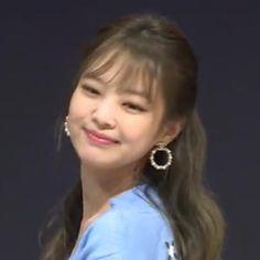 Kim Jennie, Yg Entertainment, K Pop, South Korean Girls, Korean Girl Groups, My Girl, Cool Girl, Blackpink Members, Black Pink Kpop
