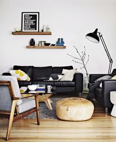 How to decorate a living room with a black leather sofa for Couch 50er jahre stil