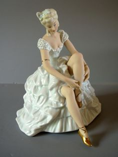 German Schaubach-Kunst Wallendorf Ballerina Figurine