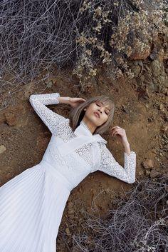 La collection de robe de mariée Self-Portrait x Bergdorf Goodman http://www.vogue.fr/mariage/adresses/diaporama/self-portrait-lance-une-collection-de-robes-de-marie-prix-doux/24111#la-collection-de-robe-de-marie-self-portrait-x-bergdorf-goodman