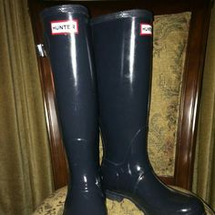 Navy Hunter Boots Hunter Boots gloss navy in excellent condition Hunter Boots Shoes Winter & Rain Boots