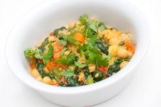 Nydelig thaigryte med alt som er godt! Server den gjerne med ris eller quinoa. Ingredienser: 1,5 desiliter kikerter 1 sjalottløk 0,5 kinesisk hvitløk 1 rød chili 2 centimeter ingefær 2 tomater 100 gram spinat 1 gulrot 100 gram aspargesbønner 2 spiseskjeer olje til steking 1 teskje spisskummen 1 teskje koriander (malt eller frø) 1 teskje …