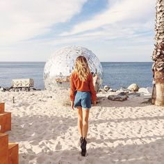 Having a disco of a time, wishing my disco queens could come and join me to do a rain-dance around this cos this beautiful continent neeeeeds rain and it needs my creative gal pals! Head to my blog to discover what all this disco nonsense it about ✨ @thehonestjones @alexcarlyle @_shareegray #capetown #disco #southafrica