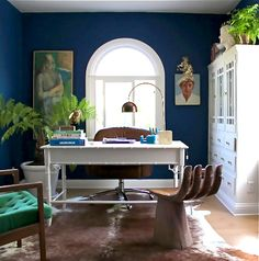 HGTV's Emily Henderson home office. I like: deep blue walls, white bamboo desk, arc lamp, hand chair. Home Office, Office Decor, Office Style, Office Ideas, Office Chic, Office Designs, Hand Chair, Navy Walls, Royal Blue Walls