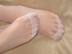 T-Lo's Foot Fetish : Photo