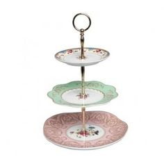 Love this vintage style Cake stand. Can't wait for the British afternoon teas this Summer especially with cause for celebrating being British with the Jubilee and Olympics upon us