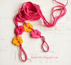 Buttons Barefoot Sandals: free crochet pattern that is perfect for beginners