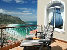 Self catering accommodation, Fish Hoek , Cape Town Catch some sunshine on these deck chairs on the balcony of Neptune's Rest. Deck Chairs, Cape Town, Outdoor Furniture, Outdoor Decor, Sun Lounger, Apartments, Balcony, Catering, Sunshine