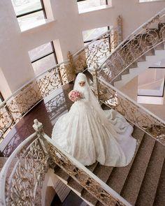 Невеста Халимат❤ #makhachkala #beautiful #flowers #weddingday #weddingdress #weddingphoto #love #bride #portrait #дагестанскаясвадьба #кавказскаясвадьба #красиваяневеста #махачкала #буйнакск #буйнаксийрайон #фотографвбуйнакске #буйнакскфото #буднибуйнаска #Дагестан #bridestory #кавказ #каспийск #буйнакск Hijabi Wedding, Disney Wedding Dresses, Pakistani Wedding Dresses, Elegant Wedding Dress, Modest Wedding Dresses, Wedding Gowns, Wedding Cakes, Hijab Bride, Nigerian Weddings