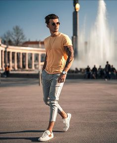 7 Stylish Outfit For 2020 .Feat (Alex Costa, One Dapper Street) One Dapper Street, Men Street Look, Men With Street Style, Classy Suits, Classy Casual, Boy Poses, Poses For Men, High Fashion Men, Mens Fashion