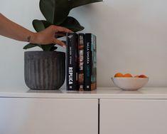 Nyt mahtuu lomaan jo vähän jännitystäkin. nnAnders Vacklin & Aki Parhamaa: Replica. Sensored Reality 3 * Jouni Ranta & Marko Erola: Mieletön vilppi. Tositarinoita suuresta taidehuijauksesta* Salla Simukka: Lukitut * Planter Pots, Home Decor, Homemade Home Decor, Decoration Home, Interior Decorating