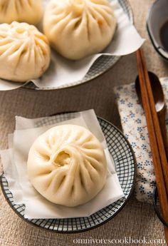Addictive Kimchi Pork Steamed Bun | omnivorescookbook.com