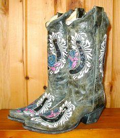 Rivertrail Mercantile - Corral Horse Shoe Black Boot, $239.99 (http://www.rivertrailmercantile.com/corral-horse-shoe-black-boot/)