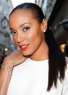 Selita Ebanks wearing the Montblanc 4810 Collection bracelets and earrings in combination with the Montblanc Collection Princesse Grace de Monaco Pétales Entrelacés Motif bracelet at the Young Directors Project powered by Montblanc Celebrity Hairstyles, Black Women Hairstyles, Braided Hairstyles, Cool Hairstyles, Hair Styles 2014, Short Hair Styles, Ponytail Styles, Wet Look Hair, Slicked Back Ponytail