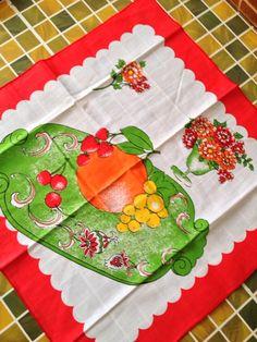 Scandinavian Tablecloth フルーツ柄テーブルクロス(北欧、ビンテージ、東欧、レトロ) インテリア 雑貨 家具 Modern ¥360yen 〆11月02日