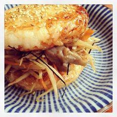 余ったご飯で簡単に♡ライスバーガーのおすすめレシピ7選 - macaroni