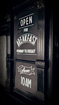 The Hop Poles, Hammersmith #freehand #signwriting #signage #poscapen  #chalkboard #chalkboardart #blackboard #blackboardart #typography #graphics #design #graphicart #handrendered #lettering #artist #art #creative @mrartiste