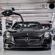 High five. MBphotocredit @MercedesBenz_Canada #Mercedes #Benz #SLS #AMG #gullwing #instacar #carsofinstagram #germancars #luxury