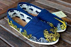 Custom New York City Skyline TOMS shoes. $259.00, via Etsy.