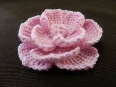 In this crochet video tutorial you will learn how to crochet flower made of verigehted yarn. Crochet Puff Flower, Crochet Flower Tutorial, Knitted Flowers, Crochet Flower Patterns, Rose Tutorial, Pattern Flower, Knitting Patterns, Crochet Gifts, Crochet Yarn