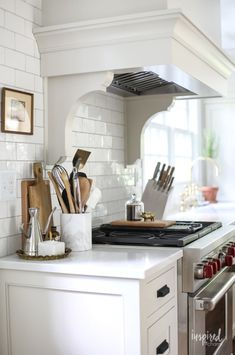 Tour my Bayberry Kitchen Remodel Reveal. A traditional kitchen with touches of vintage and modern details. Custom cabintey and highend applaicnes. Kitchen Reno, Kitchen Remodel, Kitchen Ideas, Remodeling Costs, Mason Jars, White Dinnerware, Dining Nook, Refrigerator Freezer, Kitchens