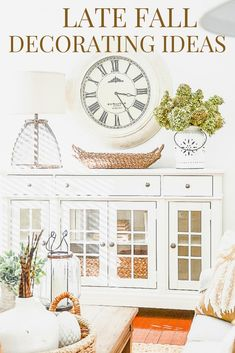 Thanksgiving decor ideas for a warm, pretty look! #falldecorating #fall #Thanksgiving #thanksgivingdecor #stonegable #homedecor #fallhomedecor