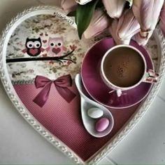 Lovely my coffee I Love Coffee, My Coffee, Coffee Beans, Morning Coffee, Mini Desserts, Wine Drinks, Coffee Drinks, Chocolates, Tea Art