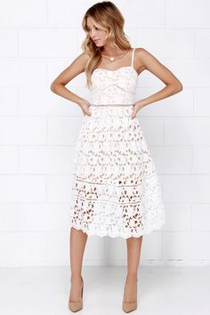 beautiful lace dress with detachable straps // i love when dresses can be convertible.
