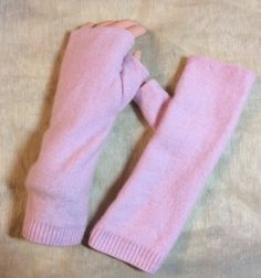 C67 powder  pink Cashmere arm warmer women by mcleodhandcraftgifts