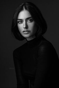 Finest b and w portrait photography ideas! - Finest b and w portrait photography ideas! Dark Portrait, Portrait Sombre, Pose Portrait, Female Portrait, Senior Portraits, Artistic Portrait Photography, Headshot Photography, Photography Women, Amazing Photography